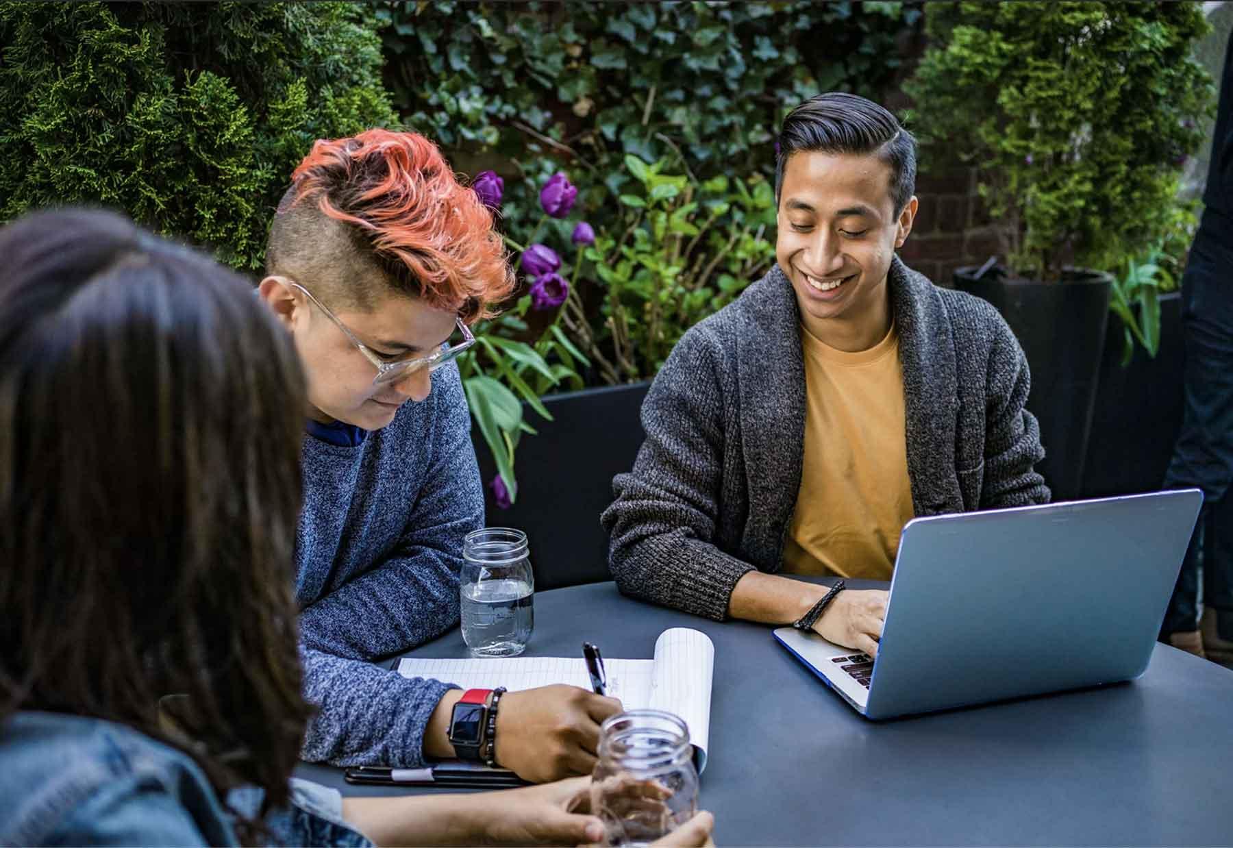 Sandy clients: diverse elastic freelance teams